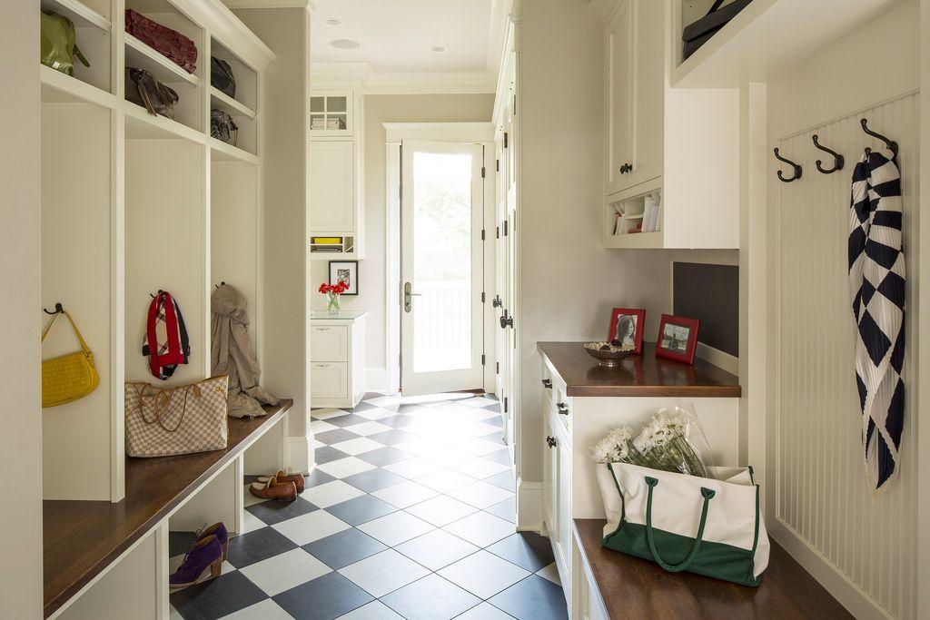 гардеробная в коридоре